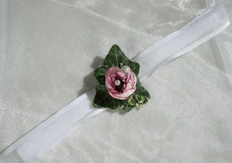 Hochzeitsfloristik Florale Armbänder für die Trauzeuginnen und Brautmutter
