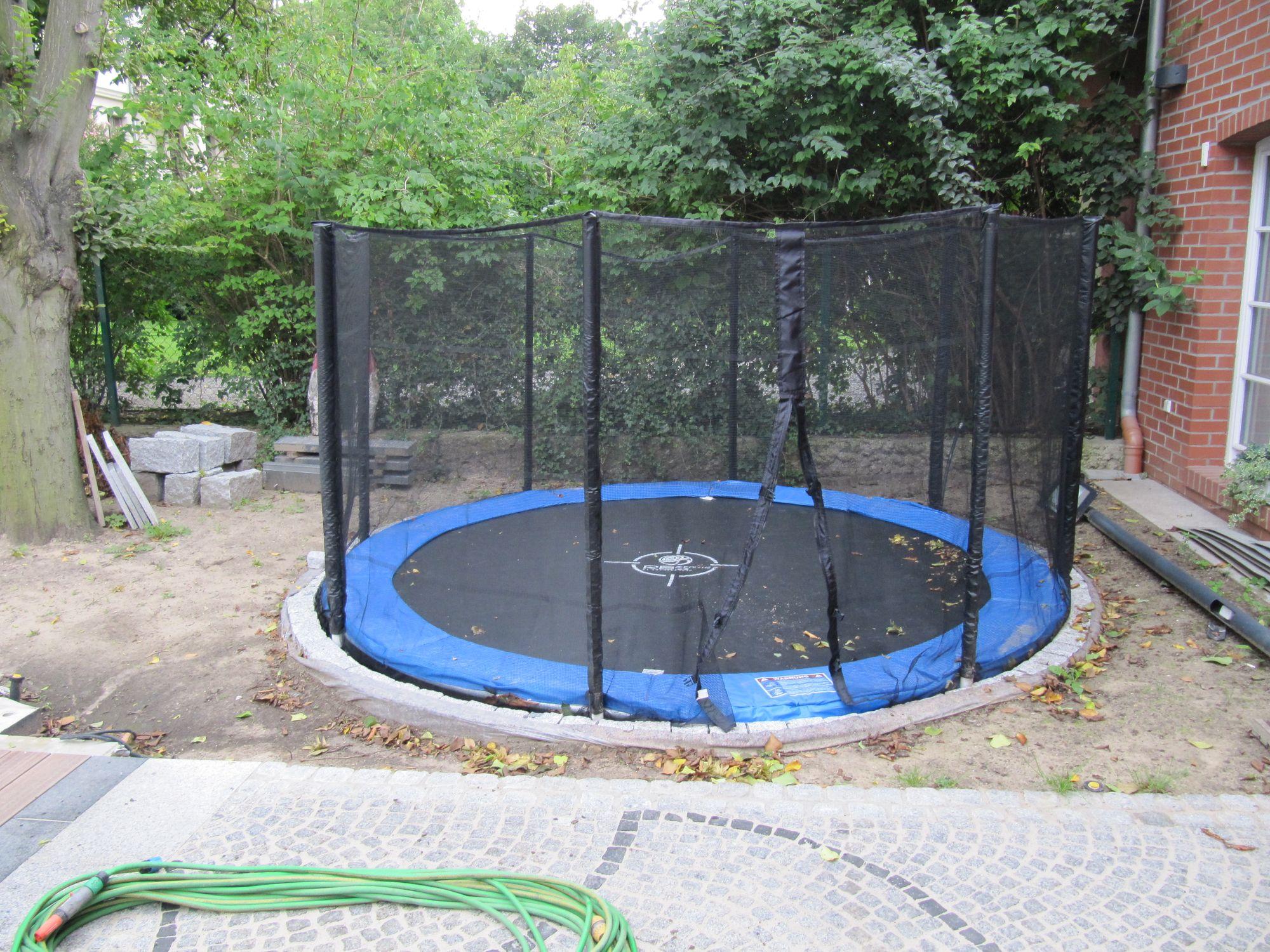 Garten mit Spielfläche in Berlin