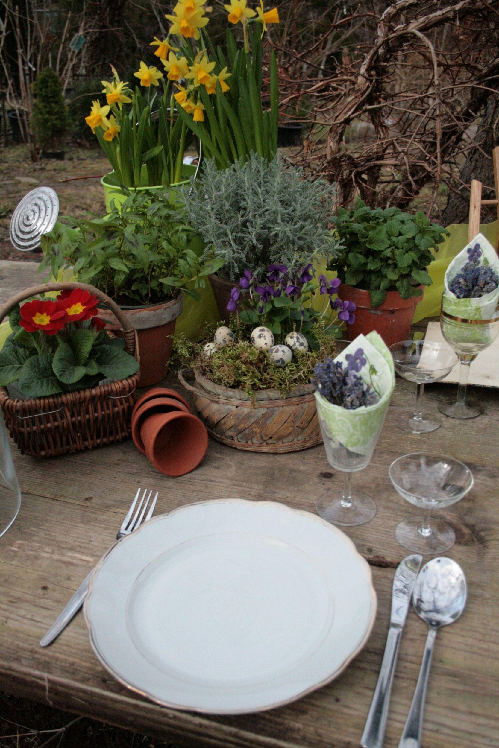Tischdeko zum Ostern selber basteln: Bastelwerkstatt, Gartenseminare und kreativ Workshops für Kinder und Erwachsene in der GartenWerkstatt Berlin